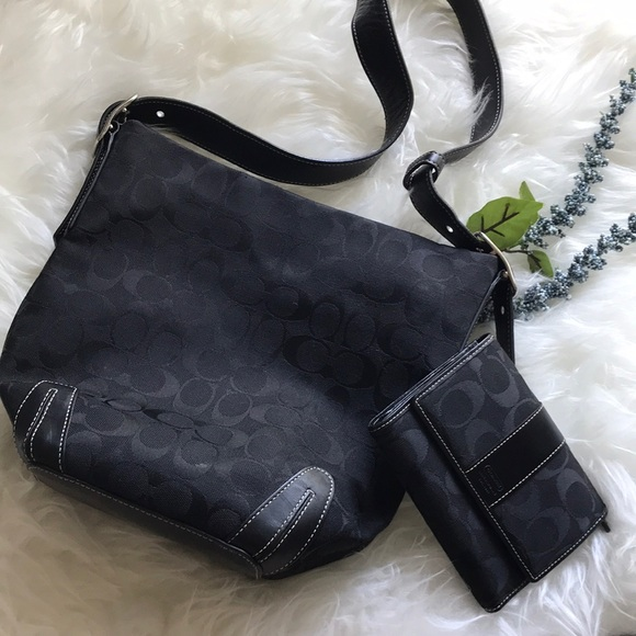 92952fc99c9 Black Coach shoulder bag with matching wallet set
